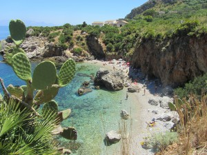 Trekking in sicilian nature reserve