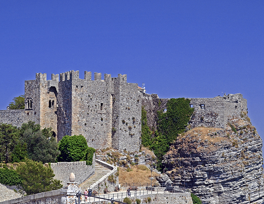 Visiting Trapani should be not missing Erice, little mountain town